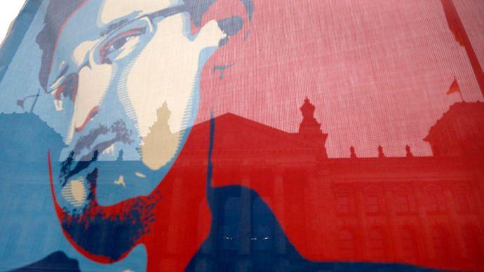 Edward Snowden full interview with German ARD TV -- Sott.net