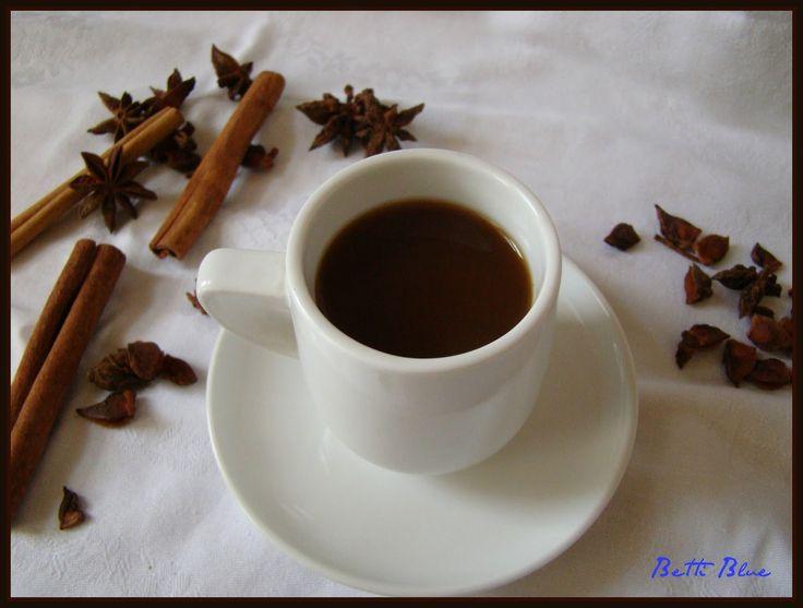Dla miłośników czarnego napoju podaję przepis na energetyczną kawę, która rozgrzewa organizm, wzmacnia nerki. Nie powoduje pobudzenia ne...