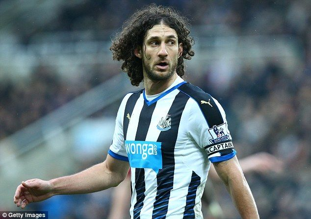 Fabricio Coloccini leaves Newcastle after eight-year spell as veteran defender finally rejoins San Lorenzo