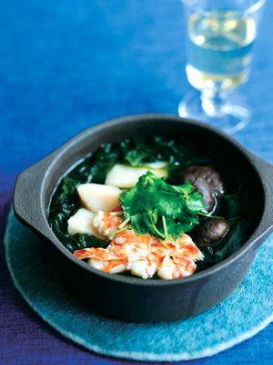 海の幸にはやっぱり王道の白ワインが好相性!|『ELLE a table』はおしゃれで簡単なレシピが満載!
