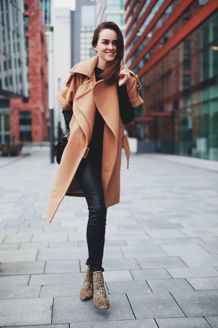 Coat: Three Floor | Leather pants: J Brand | Boots: Stefanel | Top: & Other Stories | Bag: ZARA