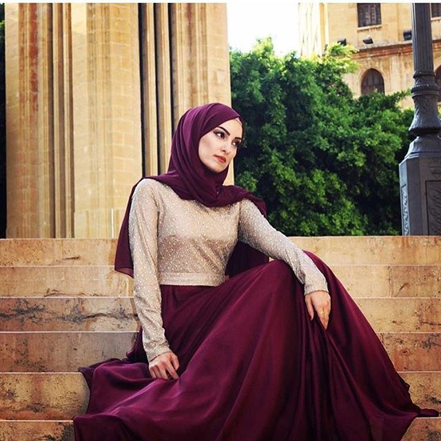 ✨@sarakassas5✨ is beauty and brains. A teacher in Lebanon, and clearly a model! She's wearing our Burgundy Premium Chiffon Wrap to compliment this stunning evening dress.