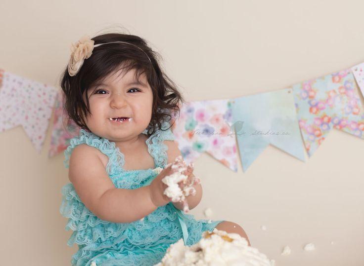 Cake smash peekaboo studios photography toronto baby photographer
