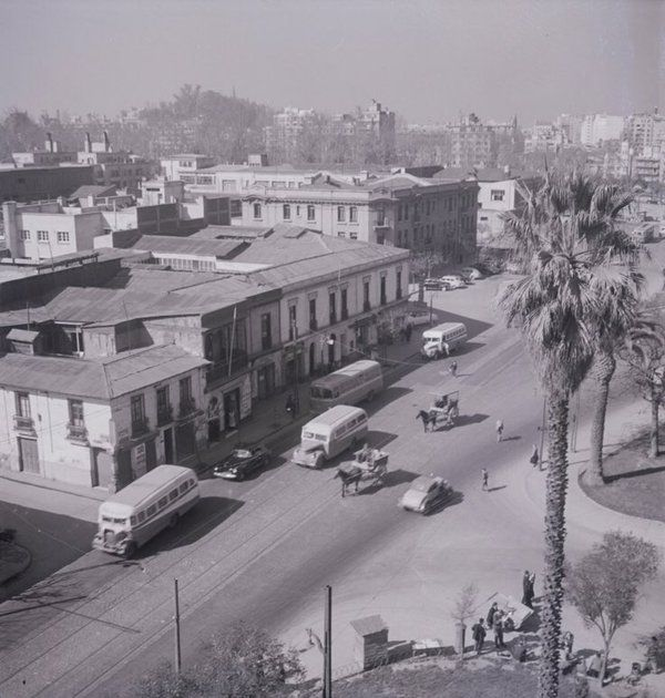 Calle recoleta desde torre Iglesia Recoleta Franciscana. Fotografía de Domingo Ulloa en 1950.