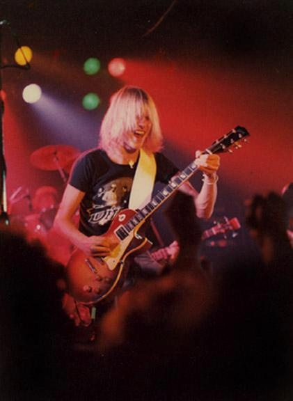 Schenker Playing A Les Paul Rare Photos Of Music