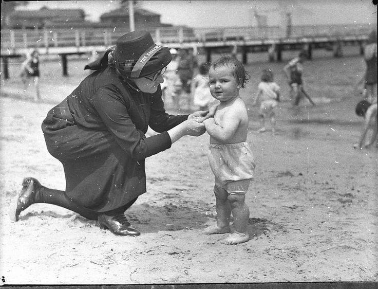Salvation Army picnic, Clifton Gardens 1936