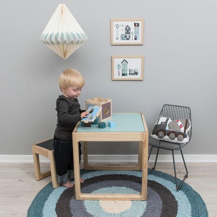 15 besten tische und st hle f r kinder bilder auf pinterest tisch und st hle platz und birkenholz. Black Bedroom Furniture Sets. Home Design Ideas