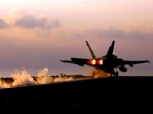 Isis Il Pentagono annuncia l'avvio dei primi bombardamenti contro le basi Isis in Siria