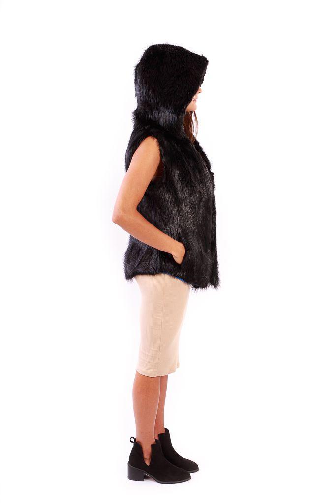Hooded Beaver Vest Side Black - Lindo F