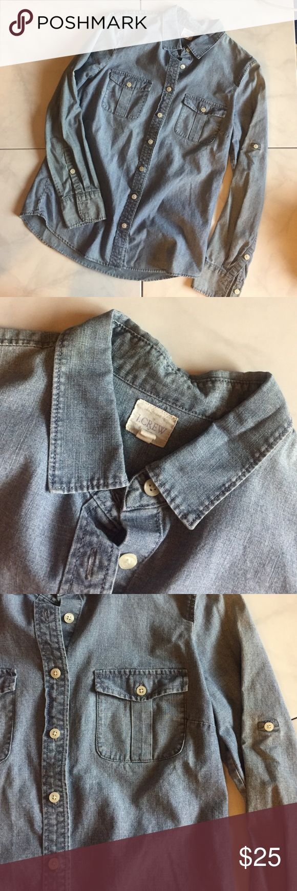 J Crew Factory chambray top. Size XS Chambray tops are my favorite basic. Wear it with leggings. Wear it with a pencil skirt. Wear it with a cute pair of chinos. This shirt is in great condition. J. Crew Tops Button Down Shirts