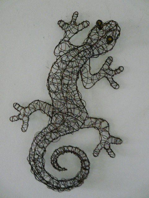 Contemporary Metal Wall Art Copper Coloured Wire Gecko