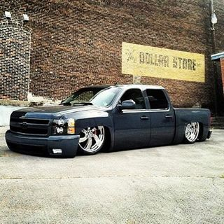 #silverado #elevel #rebaixados #truck #tipoarsoquefixa #chevrolet #oldtruck #pickuplowered #airsuspension #accuair #dropped #fixa #low #lowlife #lowered #minitruckin #myride #badass #bagged #choraboy