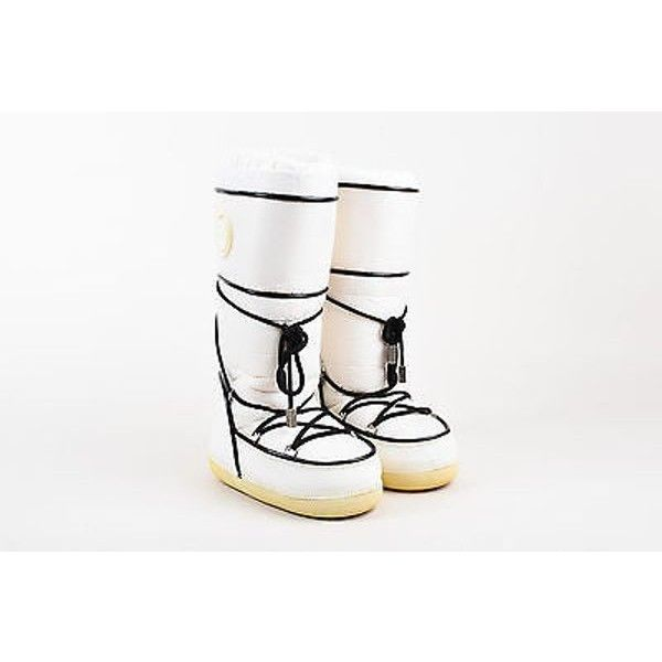 Pre-Owned Dior White Black Lace Up Snow Moon Boots Sz 35-37 (£160) ❤ liked on Polyvore featuring shoes, boots, white, moon boots, white winter boots, slip on winter boots, black and white shoes and black and white boots