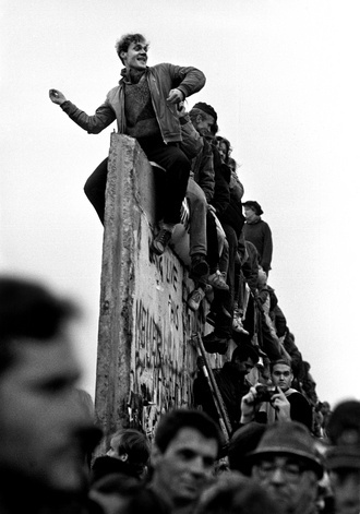 Celebration at the fall of the Berlin Wall, Germany by Steve McCurry