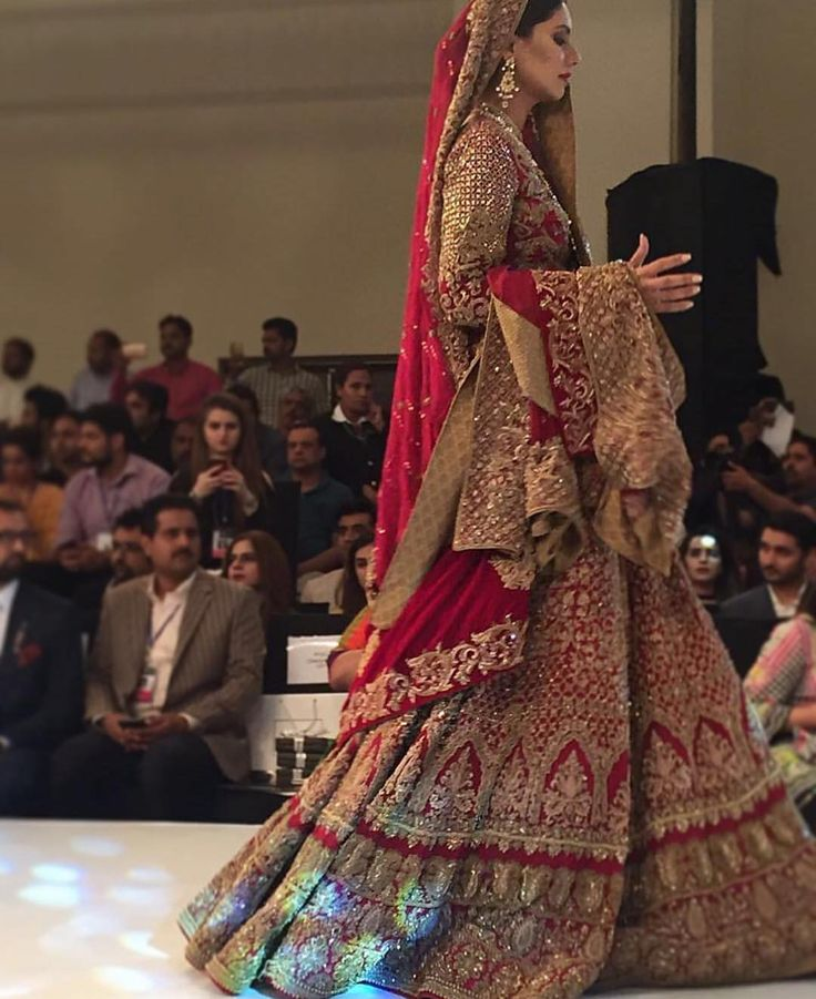Some gorgeous outfits walking the ramp today at the #plbw16 day 1. We love this red stunning piece by #hsy #bridalinspiration #pakistanidesigners #highfashionpakistan #welovered #asianweddingideas #pakistanibride