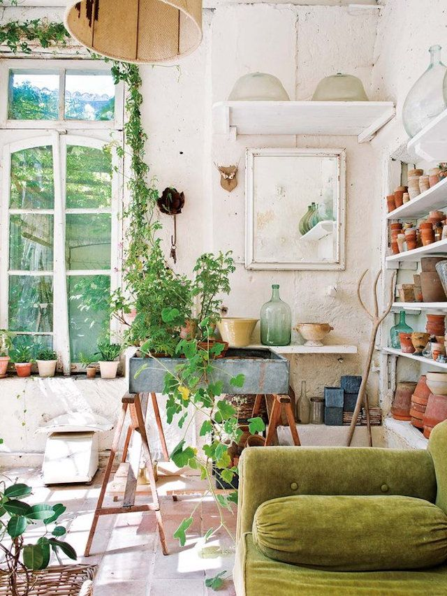 Rustic sitting room / potting shed / garden room at Annie-Moore's idyllic holiday home /bed & breakfast in the South of France
