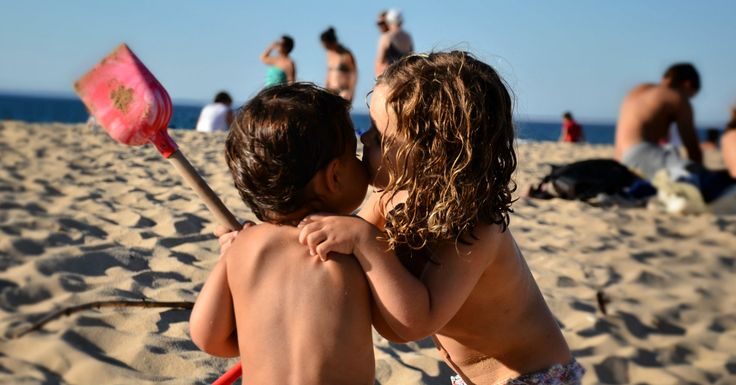 Comment apprendre à notre enfant à demander pardon, lorsqu'il a déjà du mal à reconnaître ses torts ? Faut-il le forcer à dire pardon ?