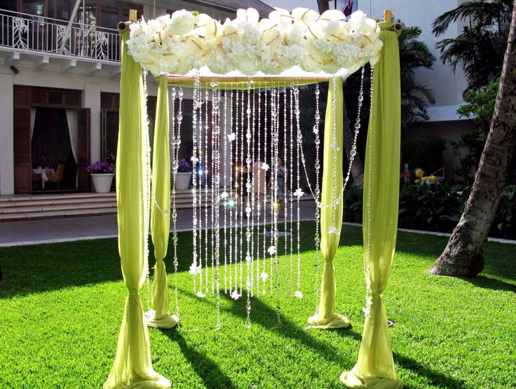 47 best wedding arch and gazebo images on pinterest wedding verde e lucenti pendagli per il gazebo da matrimonio junglespirit