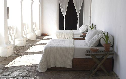 travel tuesday: relaxing retreat in Spain (via Hospedería...