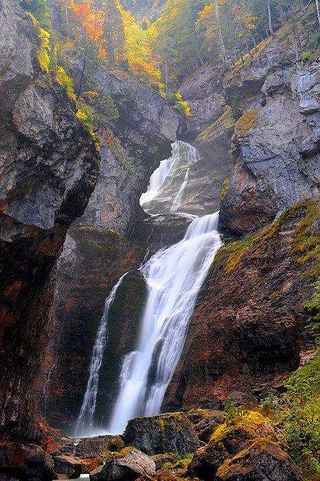 Pirineos, Parque Nacional de Ordesa, Spain by  Saul Santos Diaz