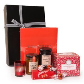 Here's a perfect Christmas Gift Hamper for tea lovers. Do you have a friend or family who loves their cup of tea?