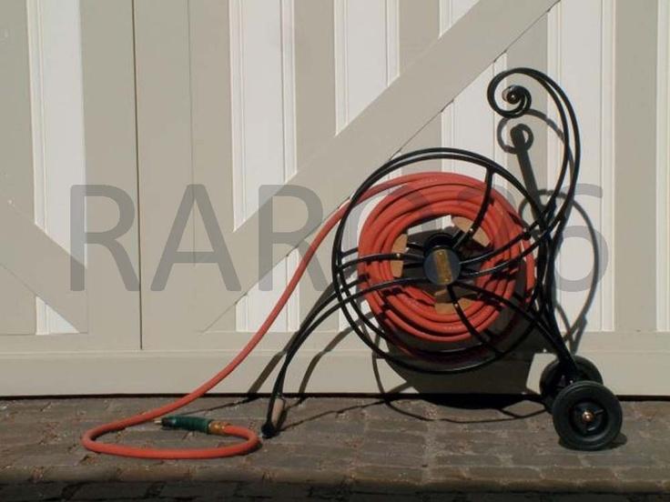#Portacanna e #avvolgicanna dell'acqua in ferro, legno e connettori in ottone, canna da 40 mt e pistola spray