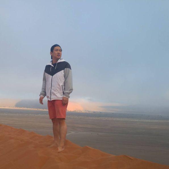 At Dune 45cr. Ahn Jae Hong instagram 160227
