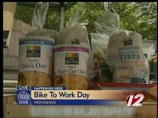 Whole Foods offers nutrition tips for biking living-healthy