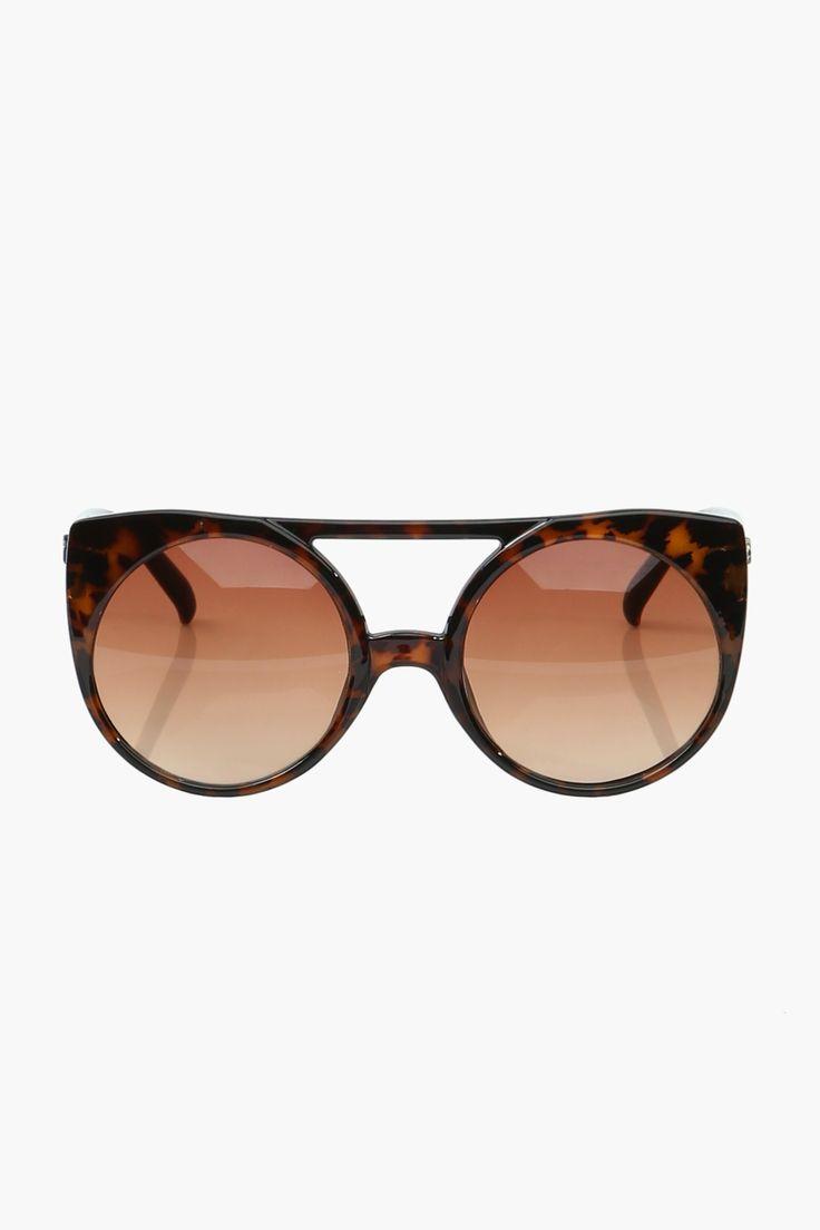 Round meets Cateye meets Amazing sunglasses