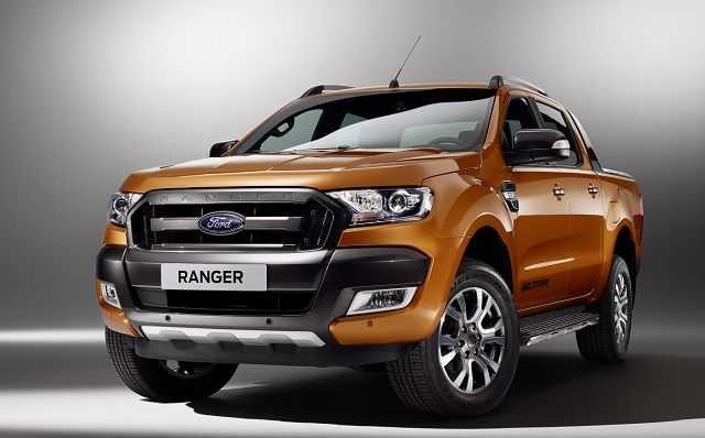 2017 ford ranger review interior design and price 2017 trucks news pinterest ford for Ford ranger wildtrak interior 2017