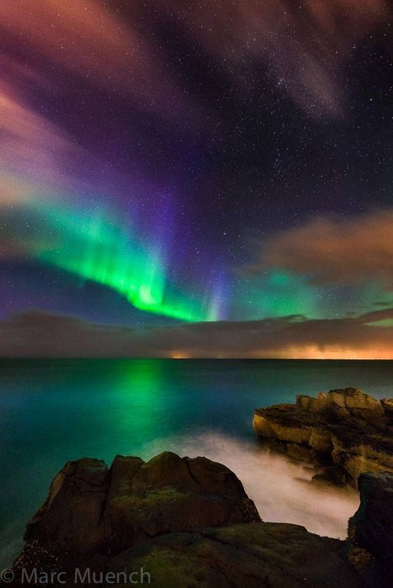 Tonight the Aurora shows her lovely hanging lights. Facebook