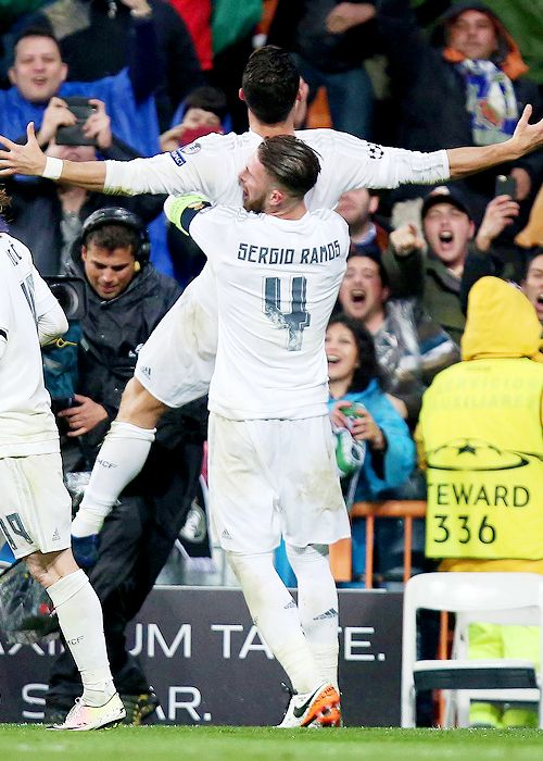 """Wolfsburg faces Real's 'remontada' in Madrid.     """"Cristiano has yet again showed why he is the number 1 in the world"""" – Ramos"""