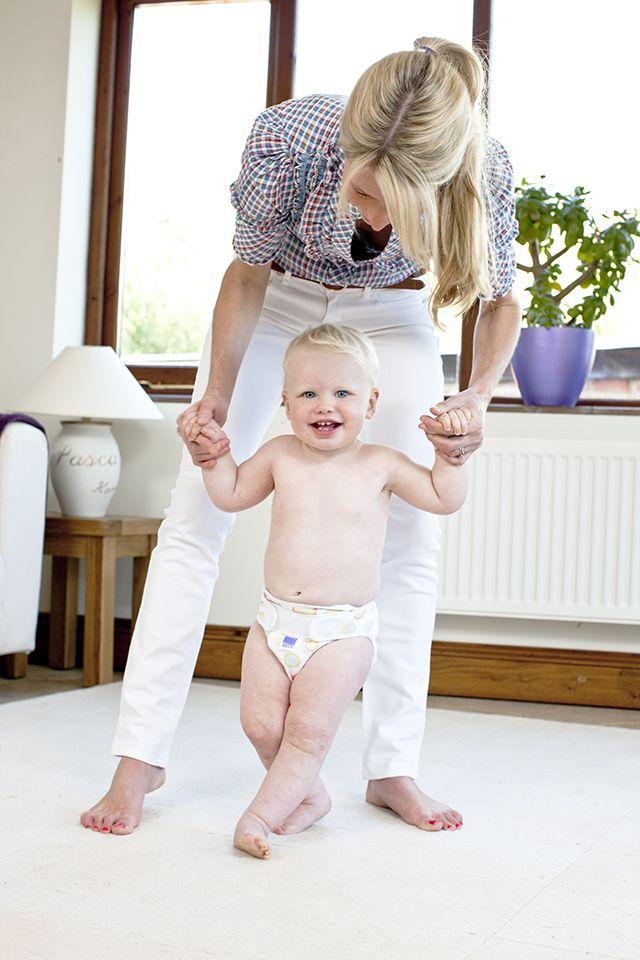 Bambino Mio yıkanabilir bebek bezleri, bebeğiniz ile beraber hareket eden süper esnek ve dayanıklı malzemeden yapılmıştır.