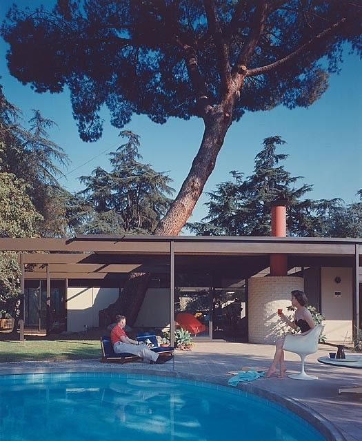 Case Study Home #20 / Bass House, 1958 Altadena, CA / Buff, Straub and Hensman, architects © Julius Shulman