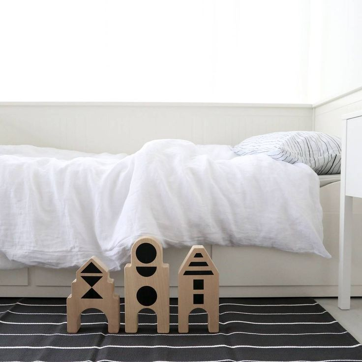 The purest, whitest and softest 100% linen bedding will soon be added to our collection. And the greatest thing? You can just mix and match it with your existing ooh noo collection. Pure and total white. . . www.ooh-noo.com