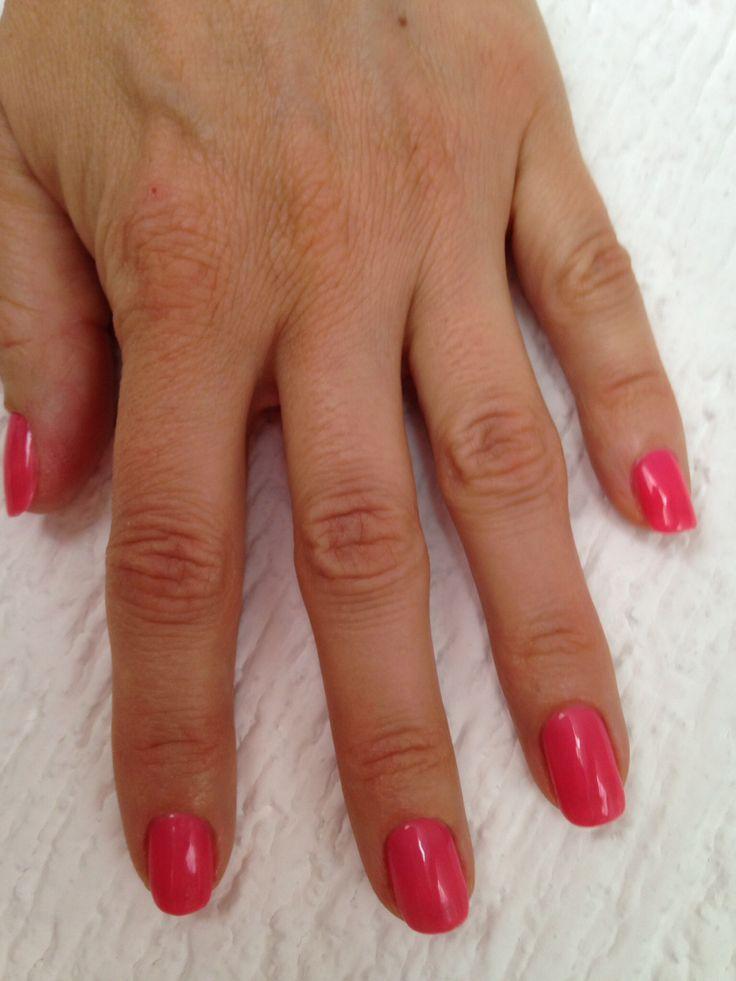 Blij! Primera vez, met gelshine polish, je loopt weg met droge nagels, super handig!