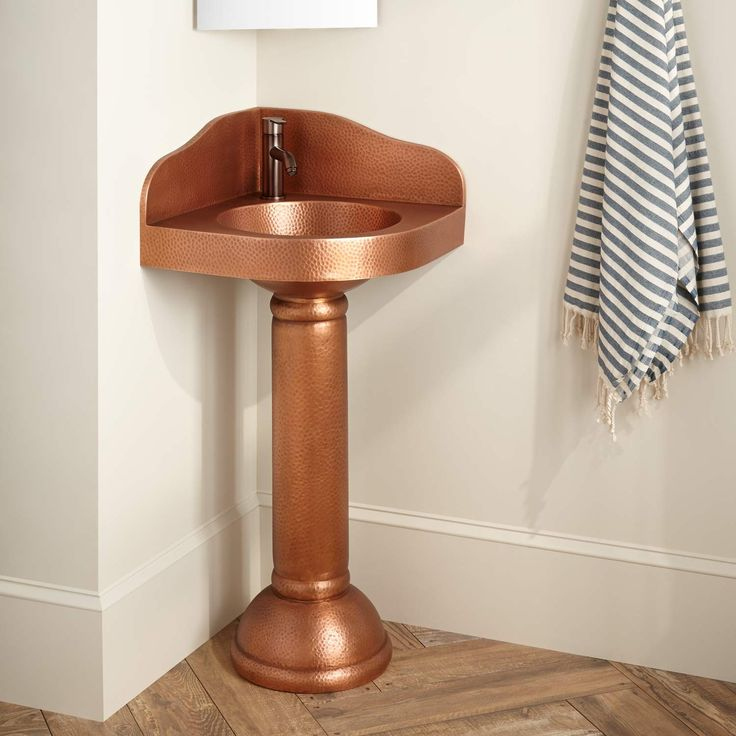 Small Corner Pedestal Sink : 1000+ ideas about Corner Pedestal Sink on Pinterest Sinks For Small ...