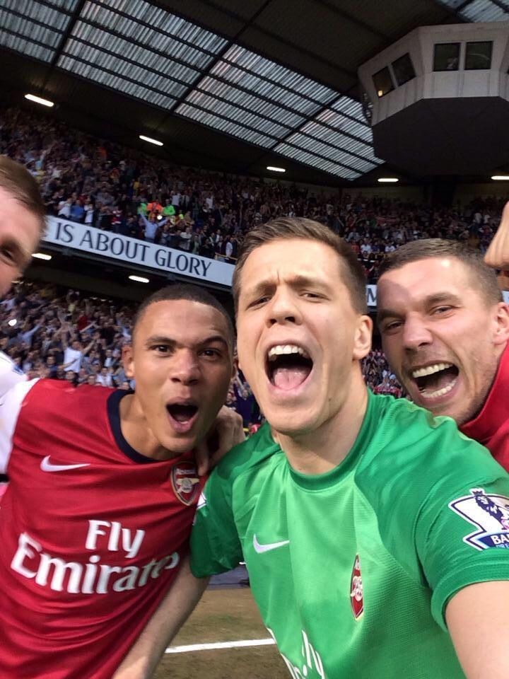 Szczęsny's Selfie after the North London Derby 3/16