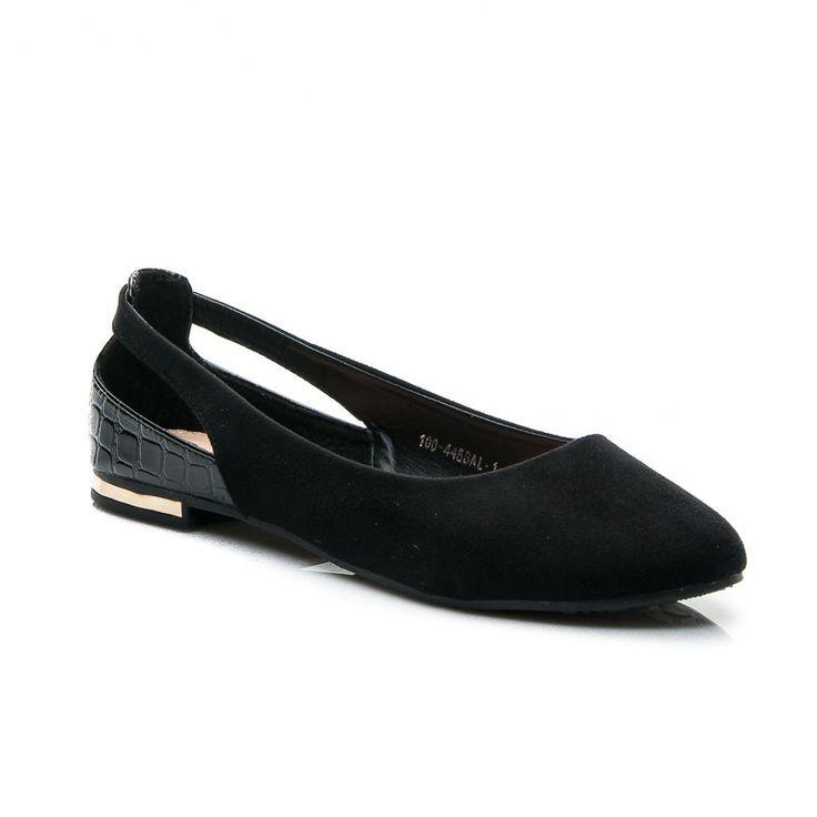 ČIERNE BALERÍNY CUT OUT  Dámske, čierne balerínky cut out. Charakteristické výrezy v topánke. Starostlivo vyrobené zo spojených materiálov. Širkoký, plochý podpätok zvýraznený zlatým prvkom. Univerzálne a praktické, vhodné na mnohé outfitom. Materiál: eko koža, eko semiš http://www.cosmopolitus.com/czarne-baleriny-100445bal1b-r18b-p-101104.html #Jarne #Baleríny #lacne #ciernymi #hnedy #topanky #Zimne
