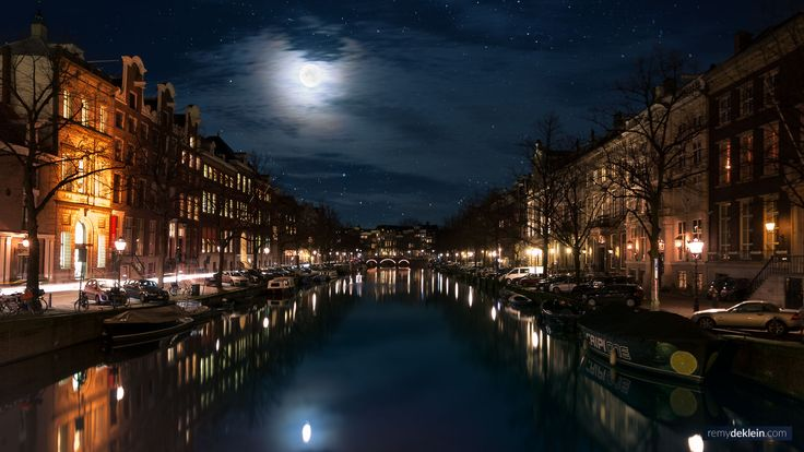 Amsterdam Canals by night    Photo by: RemydeKlein.com ©   #cityphotography #nightphotography #nightcity #nightlights #amsterdam #remydeklein