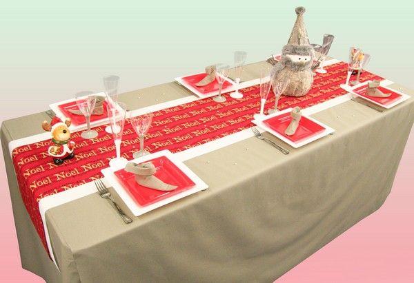 Une décoration de table parfaite pour un réveillon de Noël en famille ! A quand l'ouverture des cadeaux ?