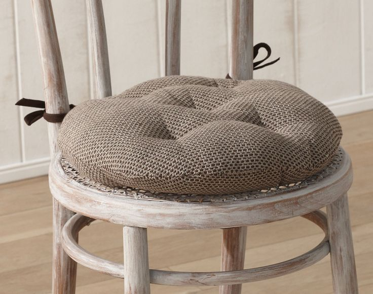 Les 25 meilleures id es de la cat gorie galette de chaise - Galette ronde pour chaise ...