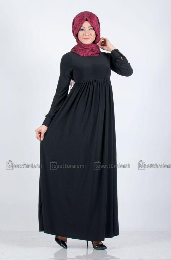 Robalı elbise modellerinin en çok satan renklerinden biri de şüphesiz ki, siyah!