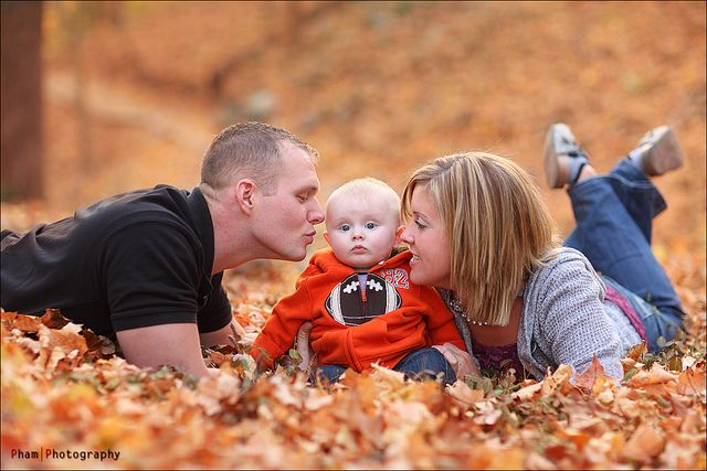 Cute idea for Fall Family Photos