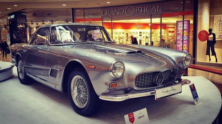 Maserati 3500 GT (1962) in the Arkády Pankrác Shopping Center Prague  #prague #travel #car #exhibition #maserati #maserati3500gt #interior #shopping #Arkady #galaxys6