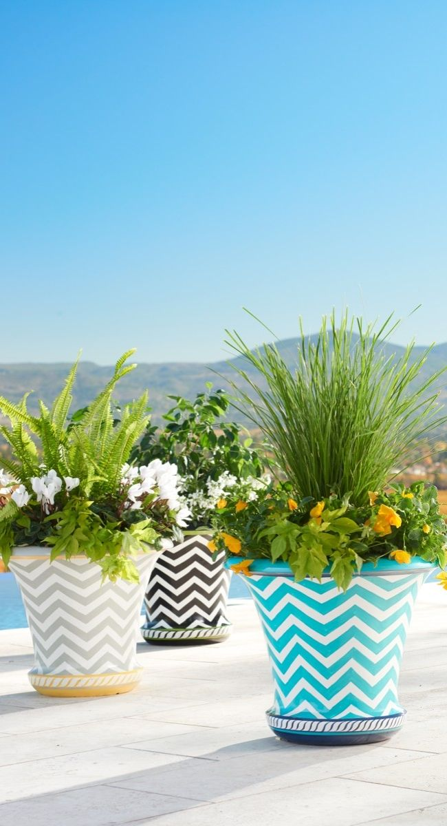 All the allure of glazed ceramic, only our Zoey Planter is made of lightweight fiberglass.