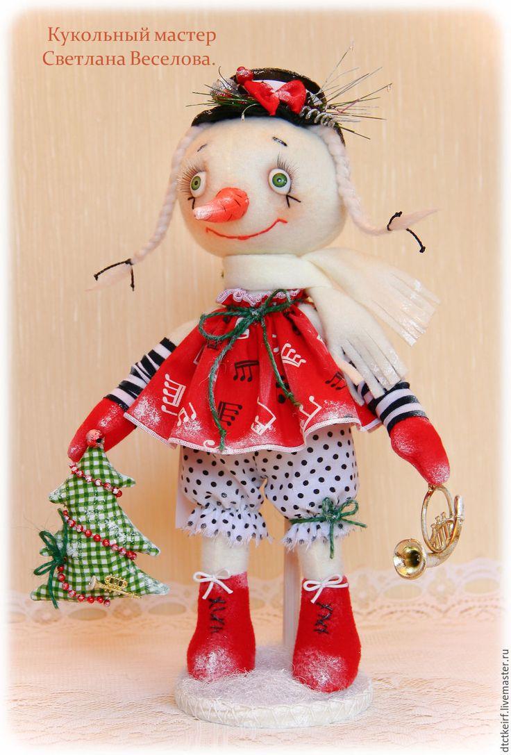 Купить авторская игрушка СНЕГОВИЧКА НОВОГОДНЯЯ - белый, авторская кукла, авторская игрушка, снеговик, снеговичок