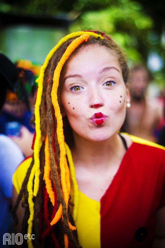 Nossas inspirações de fantasia pro carnaval carioca: Emília, do Sítio do Picapau Amarelo.