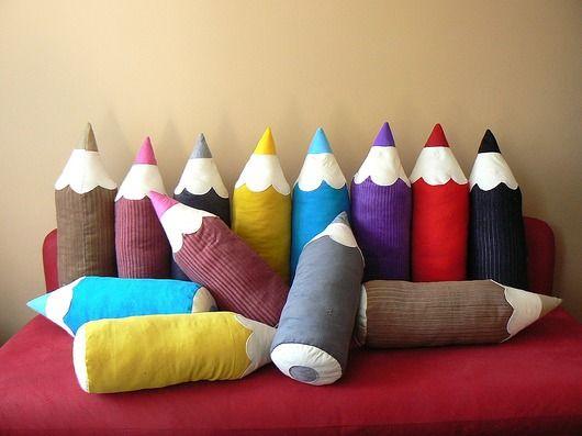 pokój dziecka - poduszki-Beżowa kredka