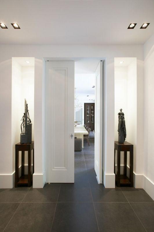 Klapdeuren van hal naar woonkamer. Merk: Piet Boon Type: Amsterdam (Moderne klassieker)